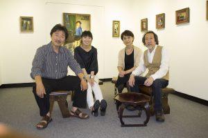 2015個展にて(左から父、本人、青木画廊青木裕子氏、青木画廊青木径氏)